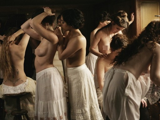 限制級 巴黎妓院回憶錄影評(評價觀後感)巴黎妓院回憶錄是部關於性愛和裸體的電影-movietown影城 妓院回忆影评妓院里的回忆影评L'apollonide évaluerHouse of Pleasures Review2.jpg