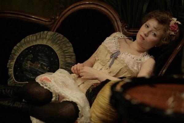 movietown影城巴黎妓院回憶錄劇照House of Pleasures妓院里的回忆剧照L'apollonide9伊莉安娜塞貝斯 Iliana Zabeth.jpg