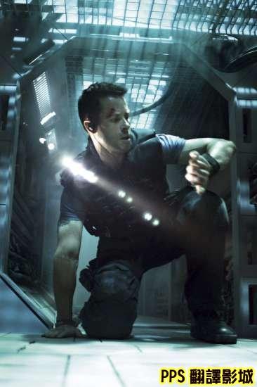 盧貝松 天外封鎖線劇照│拯救太空1號│太空一号│反锁剧照Lockout3蓋皮爾斯Guy Pearce新
