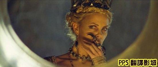 公主與狩獵者│白雪公主之魔幻復仇記劇照snow white and the huntsman2莎莉賽隆Charlize Theron新