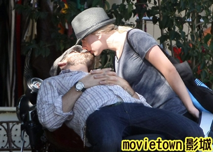 狡兔計畫演員滅口布局藏身之所2萊恩雷諾斯&史嘉蕾喬韓森 Ryan Reynolds&Scarlett Johansson3新