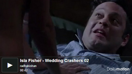 ▼艾莎費雪過去在婚禮終結者中有相當大膽的露點床戲演出naked Isla Fisher nude sense▼