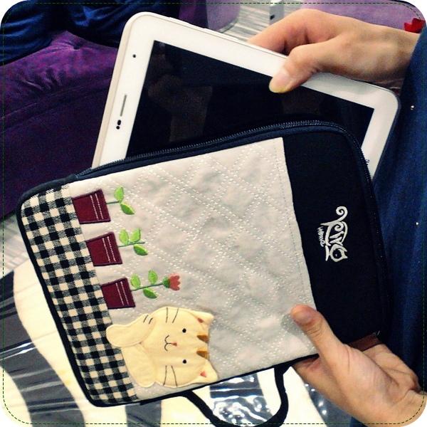 [不看會後悔]超可愛包包專賣店:情侶手機座+ipad平板電腦包+手機吊飾/耳機塞全都好可愛的日本包包品牌kiro貓!