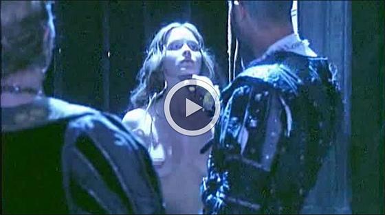 ▼愛蜜莉布朗特過去在電影中有相當大膽的露點床戲演出emily blunt nude sex sence▼