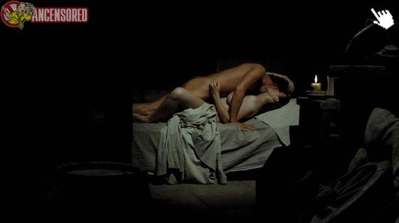 海莉艾特沃過去在電影中有大膽的露點床戲演出naked hayley atwell nude sex sense