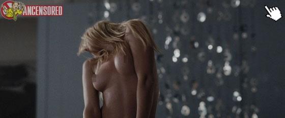 安柏赫德電影中大膽露點床戲演出naked amber heard nude sex sense