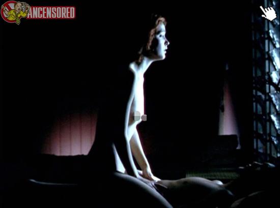 蘿絲拜恩在電影的大膽露點床戲演出naked rose byrne nude sex sense