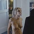 席安娜米勒過去在電影中有大膽露點床戲演出Naked sienna miller nude sex sense