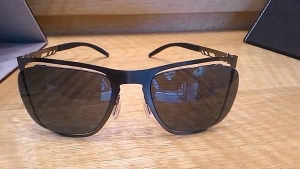 台灣的太陽眼鏡鏡架輕有型.jpg