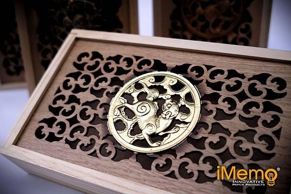 浮雕木盒特寫