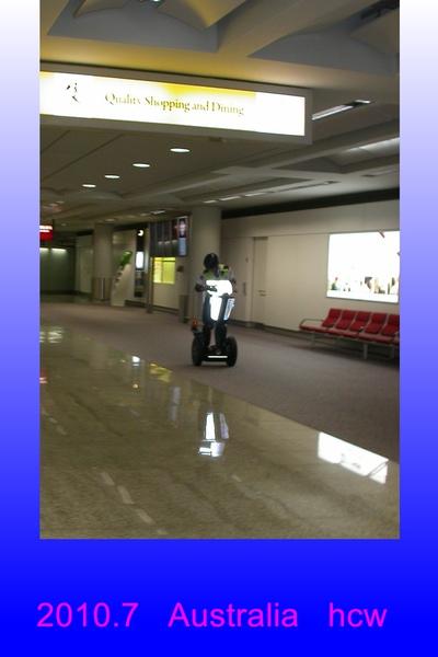 香港機場警察.jpg