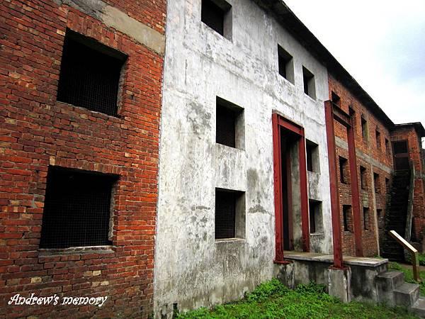 礦工宿舍-一個窗口一人家