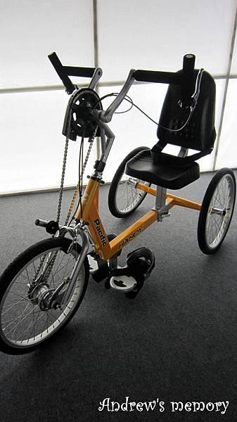 用手騎的腳踏車