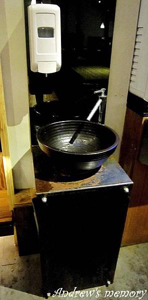 用餐區洗手台