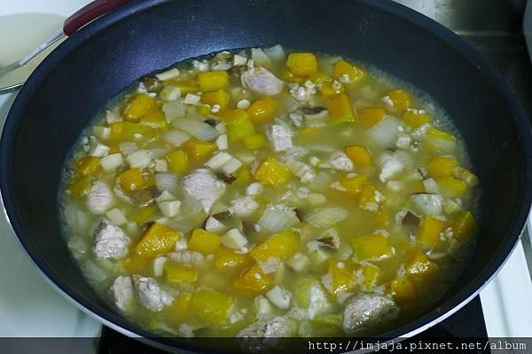 南瓜燉飯-下雞高湯
