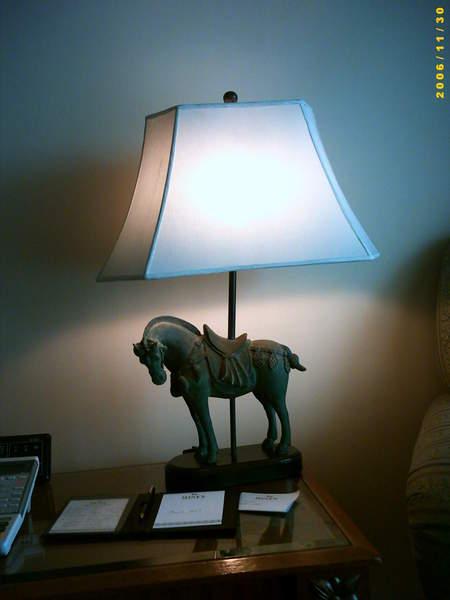 馬型檯燈座