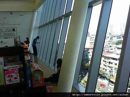 板橋大遠百-金石堂書店4