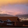 漫遊歸來,在雲海山莊吃晚餐,晚霞很美,是颱風快要來的天色