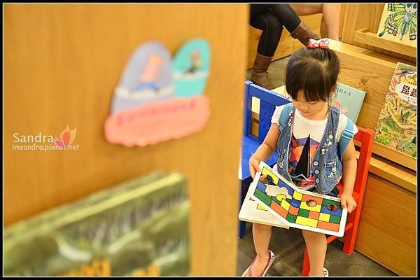 201206-花栗鼠繪本館,糖果老師畫畫課 (4)