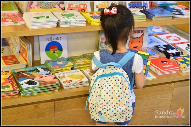 201206-花栗鼠繪本館,糖果老師畫畫課 (5)