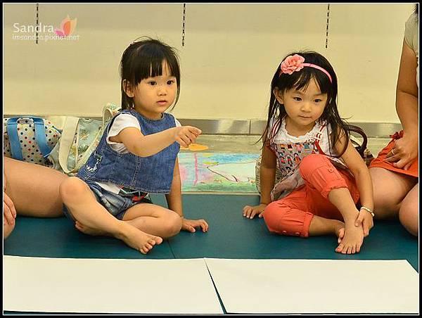 201206-花栗鼠繪本館,糖果老師畫畫課 (11)