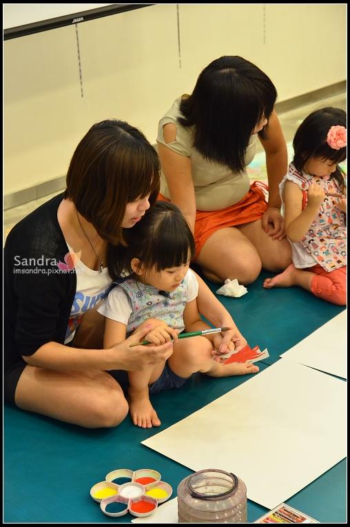 201206-花栗鼠繪本館,糖果老師畫畫課 (16)