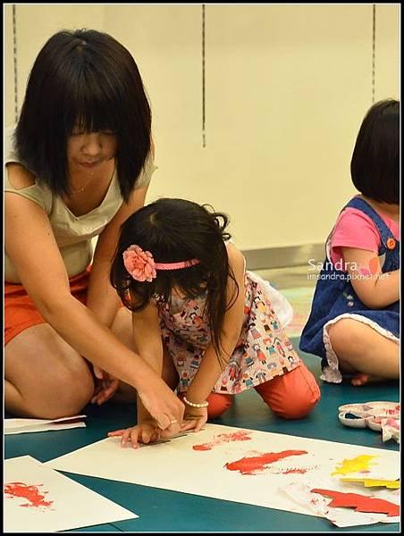 201206-花栗鼠繪本館,糖果老師畫畫課 (20)