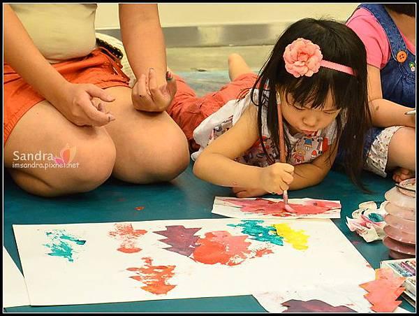 201206-花栗鼠繪本館,糖果老師畫畫課 (22)