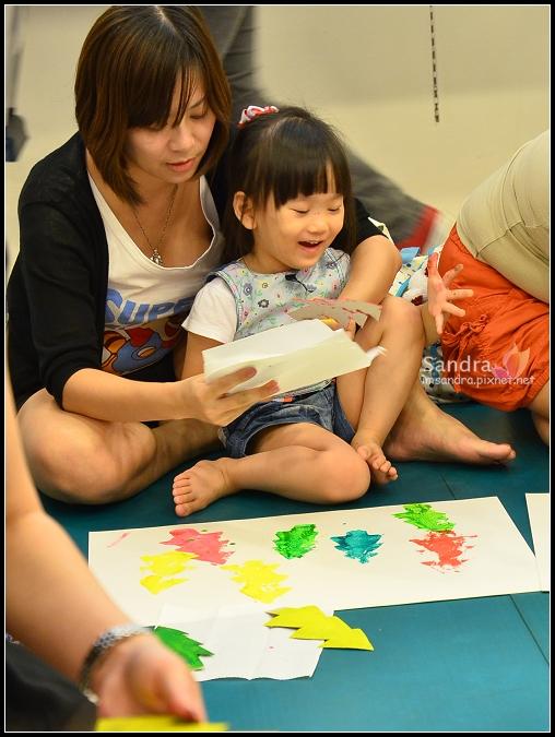 201206-花栗鼠繪本館,糖果老師畫畫課 (24)