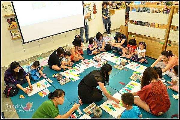 201206-花栗鼠繪本館,糖果老師畫畫課 (26)