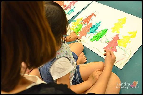 201206-花栗鼠繪本館,糖果老師畫畫課 (33)