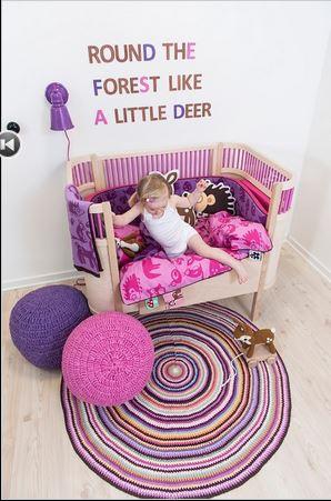 嬰兒床.JPG