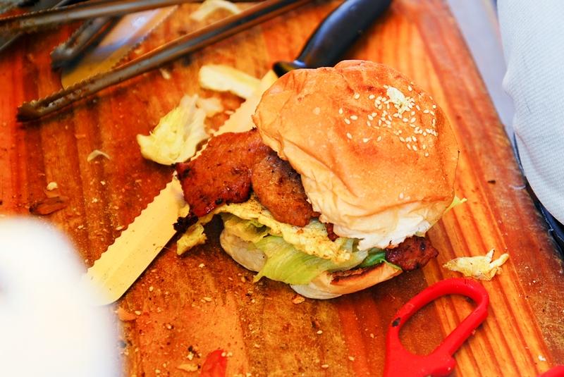 台南 西華南街 小璋碳烤土司漢堡