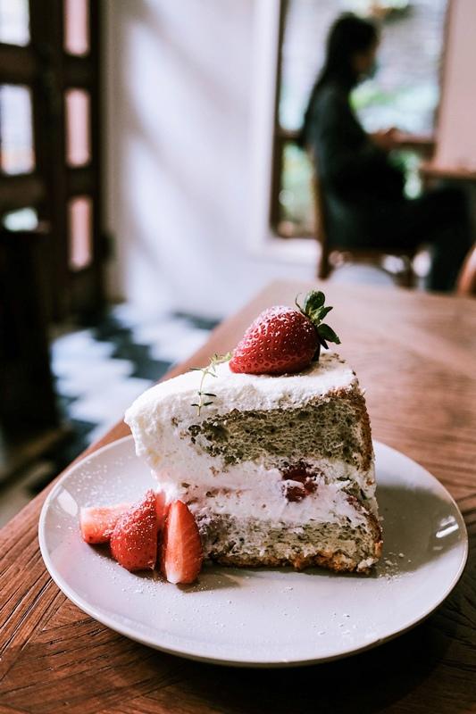 2020-1-9 台南 cafe de piecesofpeace 寧靜森林  咖啡 甜點 草莓 (10).jpg