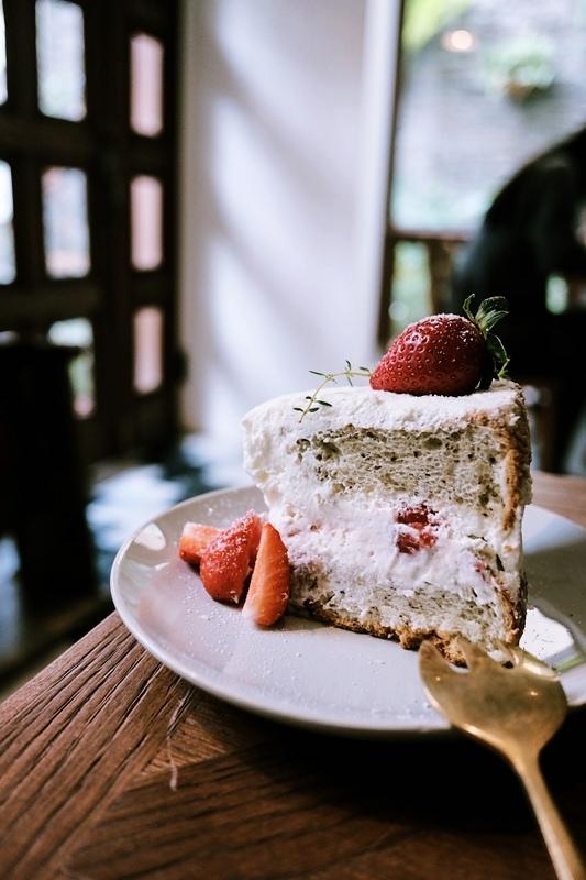 2020-1-9 台南 cafe de piecesofpeace 寧靜森林 咖啡 甜點 草莓 (13).jpg