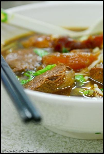 台中仁義牛肉麵