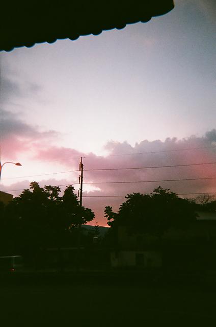 颱風天前的雲彩