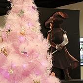 14.麻吉影城粉紅色聖誕樹之我好想看劍貓
