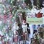 39.這棵聖誕樹無比大,順帶一提小騎兵也很大!都不小了啊!HOLA dm