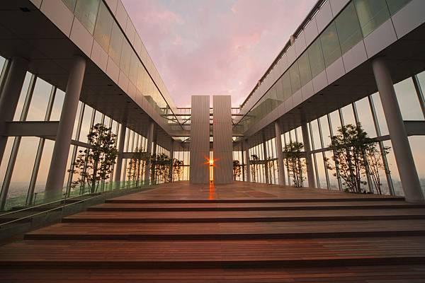 ②58階「天空庭園」(夕陽).jpg