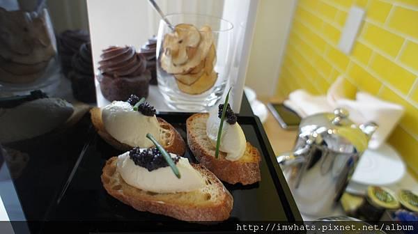 Wafternoontea魚子醬脆餅.JPG