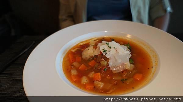 番茄蔬菜清湯.JPG