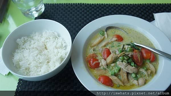 異料理下午茶泰式綠咖裡嫩雞附香米