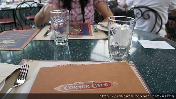 corner cafeDSC06331