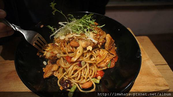 wood&pot拿坡里式雞腿肉茄醬麵食