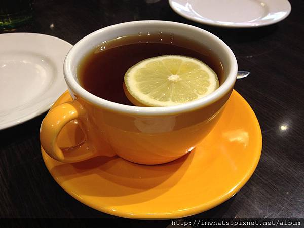 金鐘香港茶餐廳熱檸茶.JPG