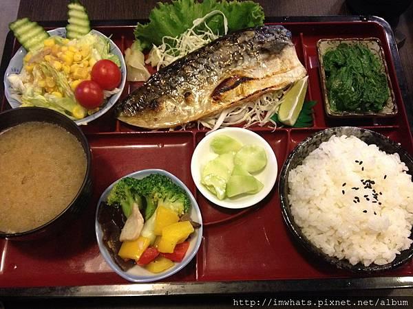 七海食堂鯖魚定食.JPG