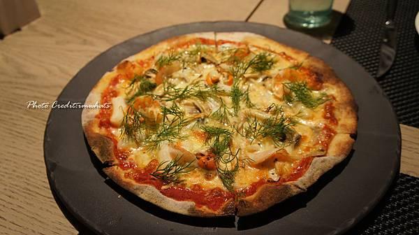 nordic kitchen海鮮總匯披薩.JPG