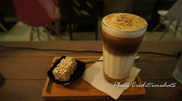 初米咖啡烤焦糖瑪奇朵.JPG