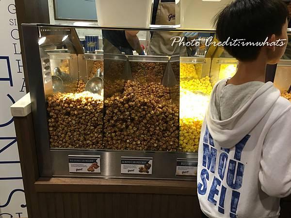 garrett popcornIMG_0113.JPG
